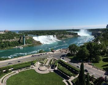 Niagara Falls daytime view