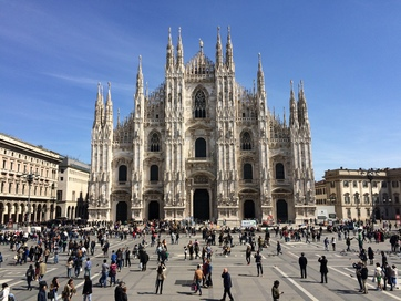 Milan cathedral (front)