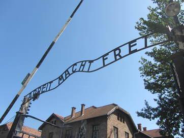 Auschwitz (arbeit macht frei)