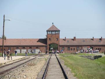 Auschwitz-Birkenau (entrance)