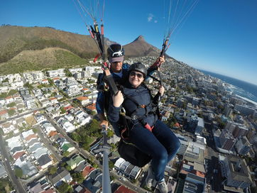 Paragliding from Signal Hill (3)